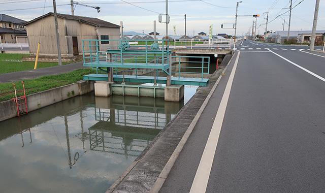 岡山市南区地内水路改良工事